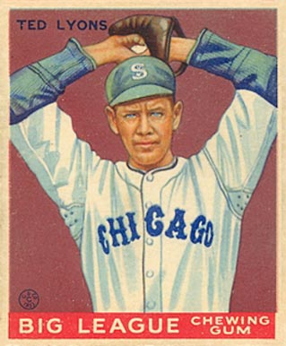 1933 Goudey Ted Lyons #7 Baseball Card