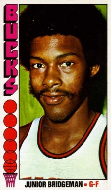 1976 Topps Junior Bridgeman #11 Basketball Card