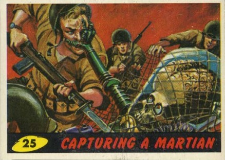 1962 Mars Attacks Capturing a Martian #25 Non-Sports Card