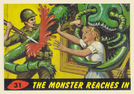 1962 Mars Attacks The Monster Reaches In #31 Non-Sports Card
